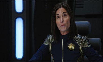 Entrevista com Jayne Brook, a almirante Cornwell