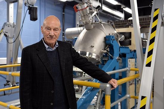 Capitão Picard inaugura acelerador de partículas europeu